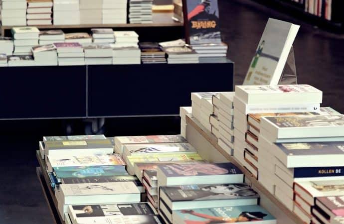 Księgarnia stacjonarna, a internetowa – zalety i wady