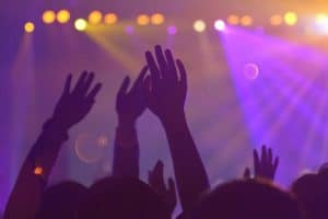 Tłum na koncercie