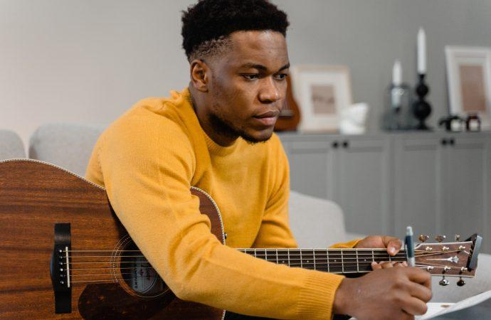 Początkujący gitarzysto! Przeczytaj ten artykuł